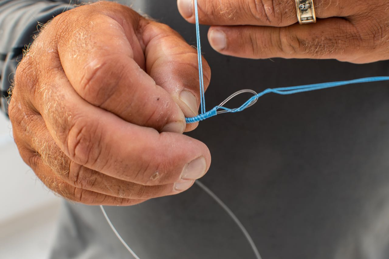 tie hook to line fishing lesson