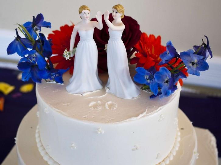 Lesbian wedding cake