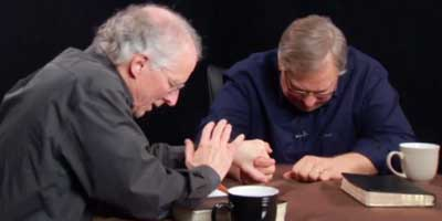 "John Piper and false teacher Rick Warren ""hanging out."" Photo credit: Apprising Ministries"