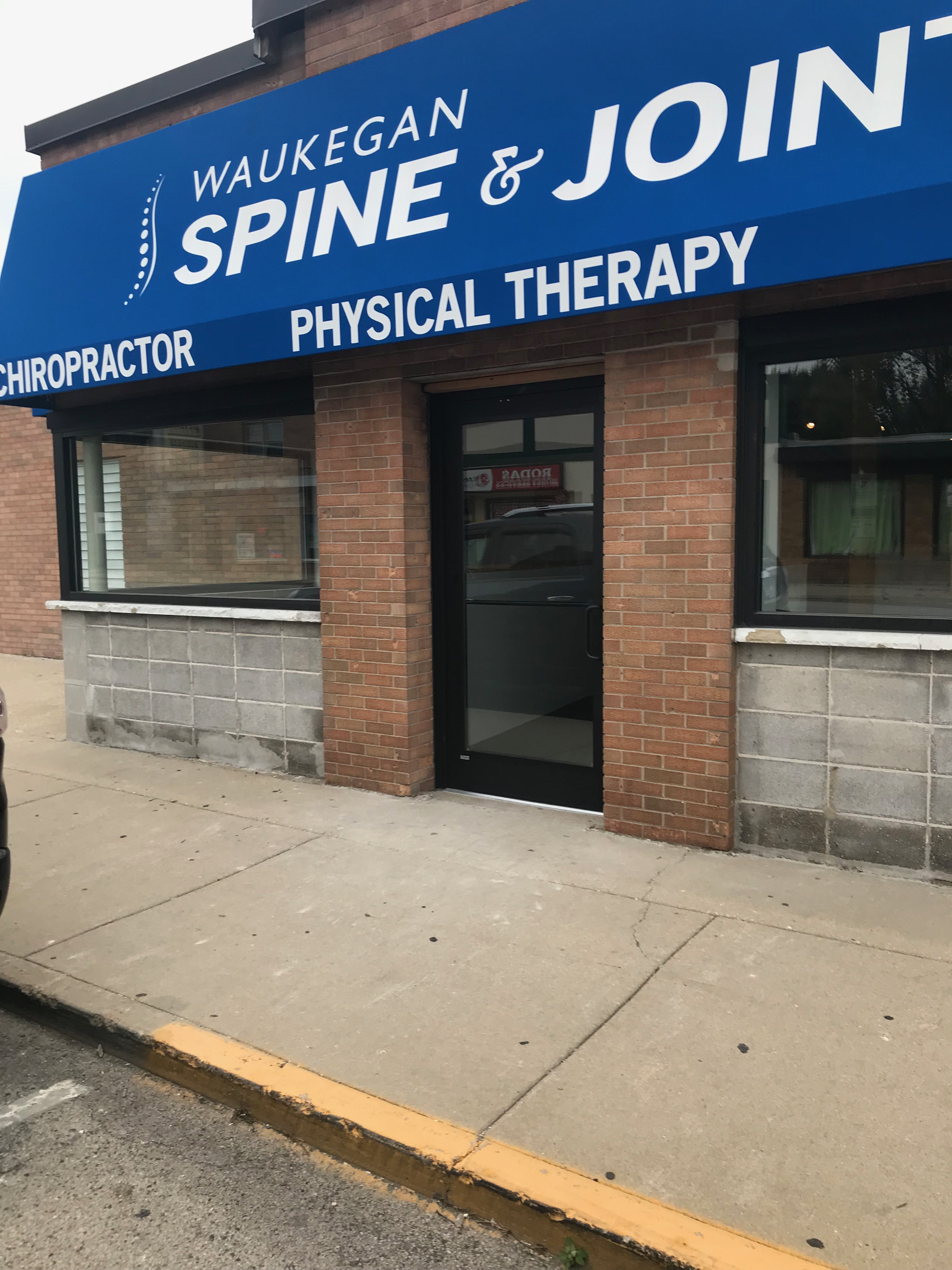 CHIROPRACTOR STORE FRONT
