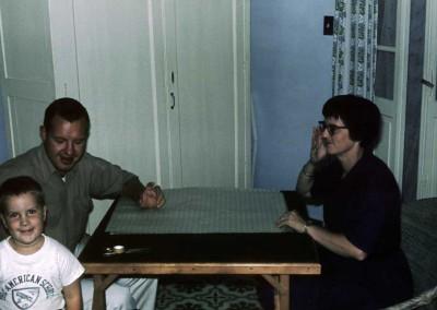 1962 Christmas Wrapping - Jim Milhone, John Meloy, Evelyn Thompson