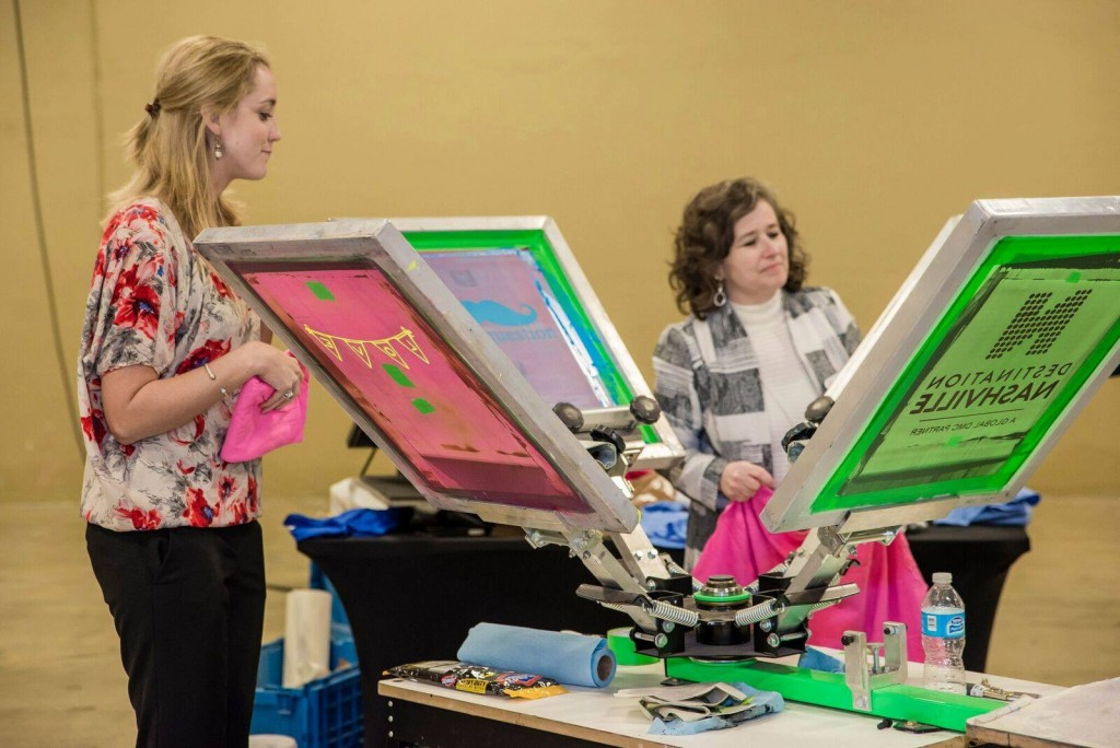 Amusement Masters Live Screen Printing