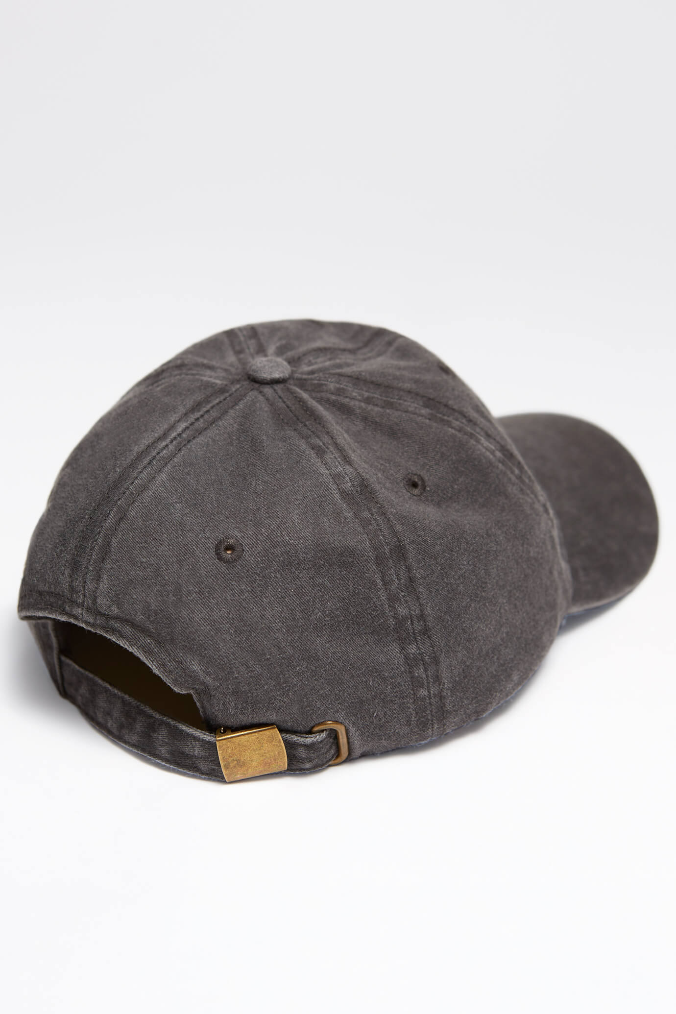 taproot pictures hat in stone gray back rooty