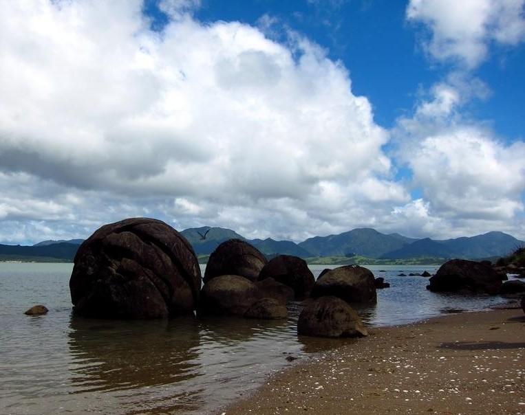 Koutu boulders