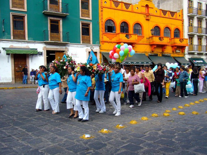 Guanajuato street procession