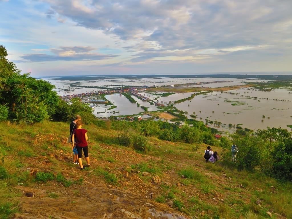 A Quiet Sunset Over Phnom Krom 4