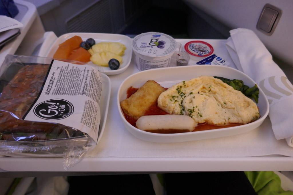 Finnair A350 business breakfast