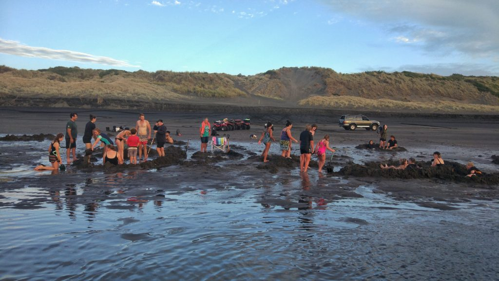 Kawhia hot water beach