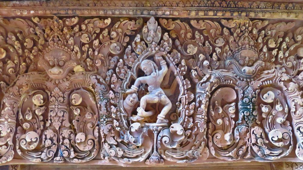 Banteay Srei lintel