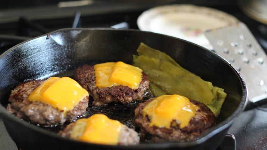Low carb cheeseburger