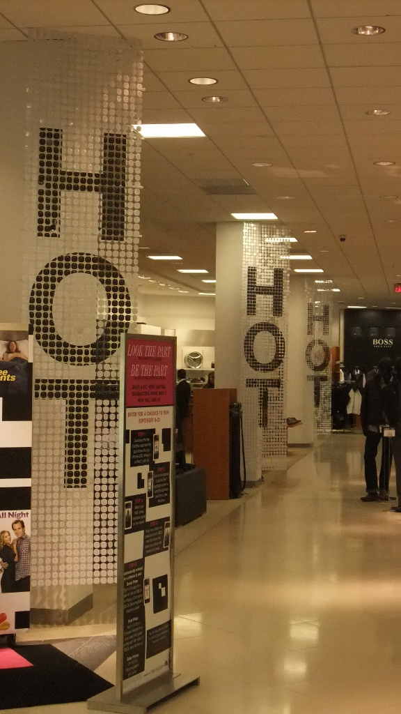 Bloomingdales Aventura HOT Sale Displays (1) (576x1024).jpg