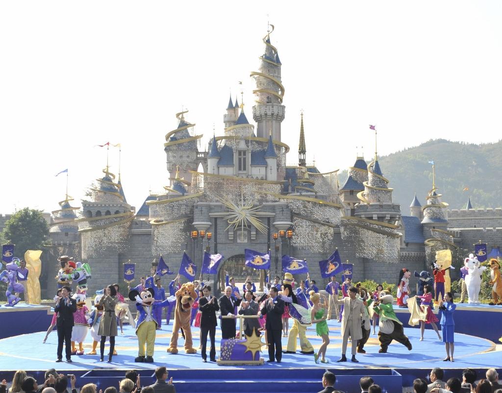 Disneyland Hong Kong Tinkerbell Castle Day (1024x802).jpg