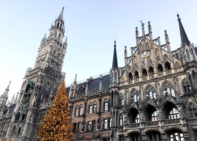 The New Town Hall, on Marienplatz. The epitome of fantastical ye olde worlde European architecture for this Aussie