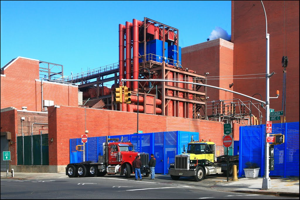 CON EDISON Power Plant