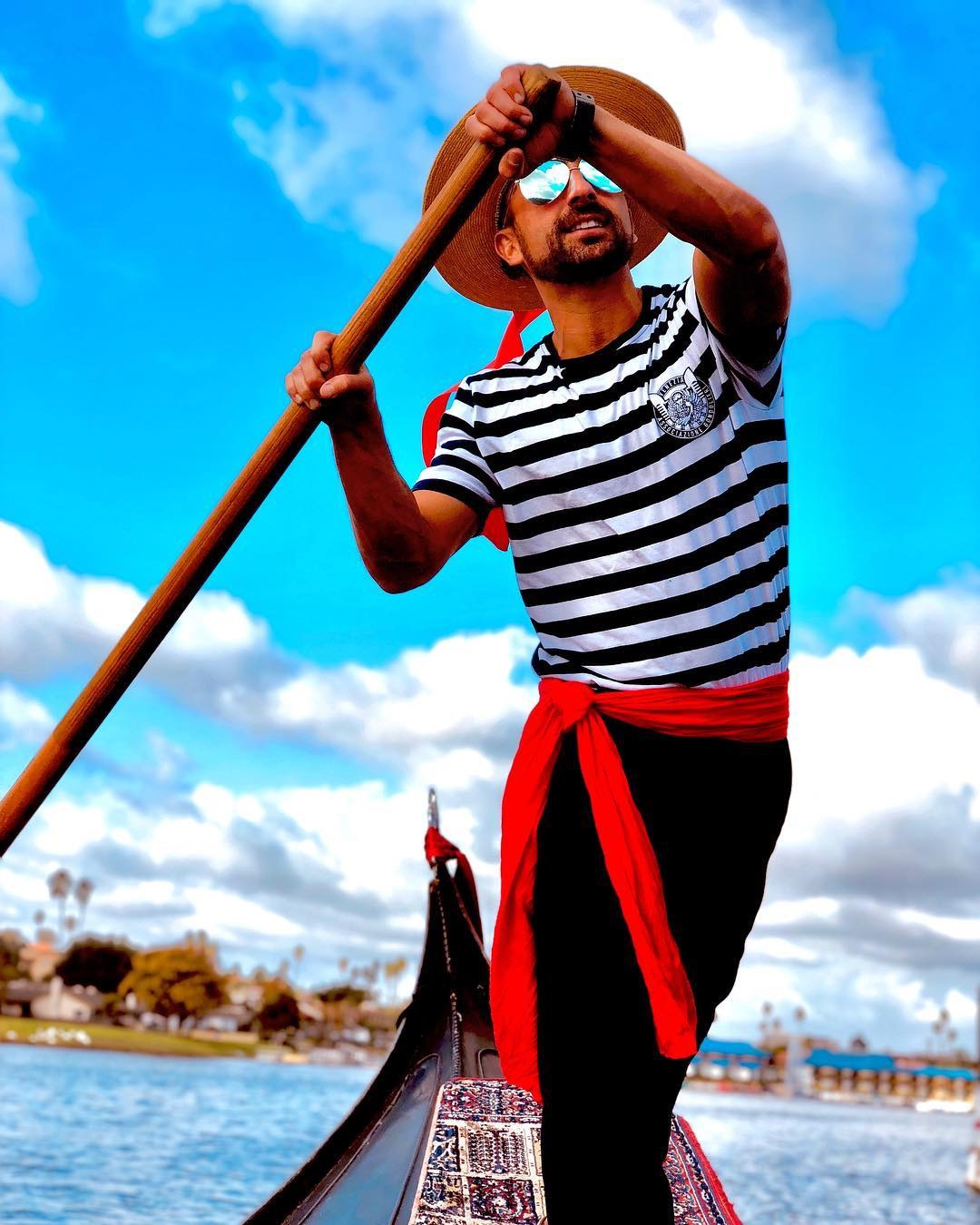 San Diego Date Night Ideas | San Diego Group Events | Black Swan Gondola