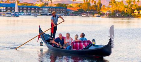 Romantic Gondola Rides   The Gondola Company   Black Swan Gondola