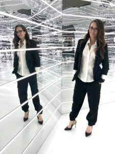 hblack suit, black, white, gold, harpesr bazaar, wold of fashion, style, designer, peter pilotto, fashion, method39, technology