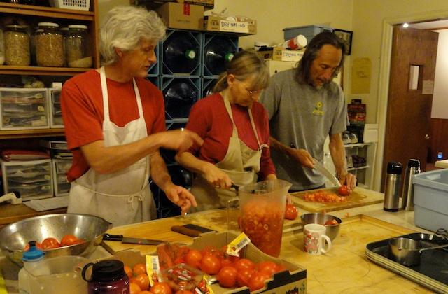 canning tomatoes 2