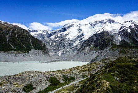 Mueller Lake in Mt. Cook NP