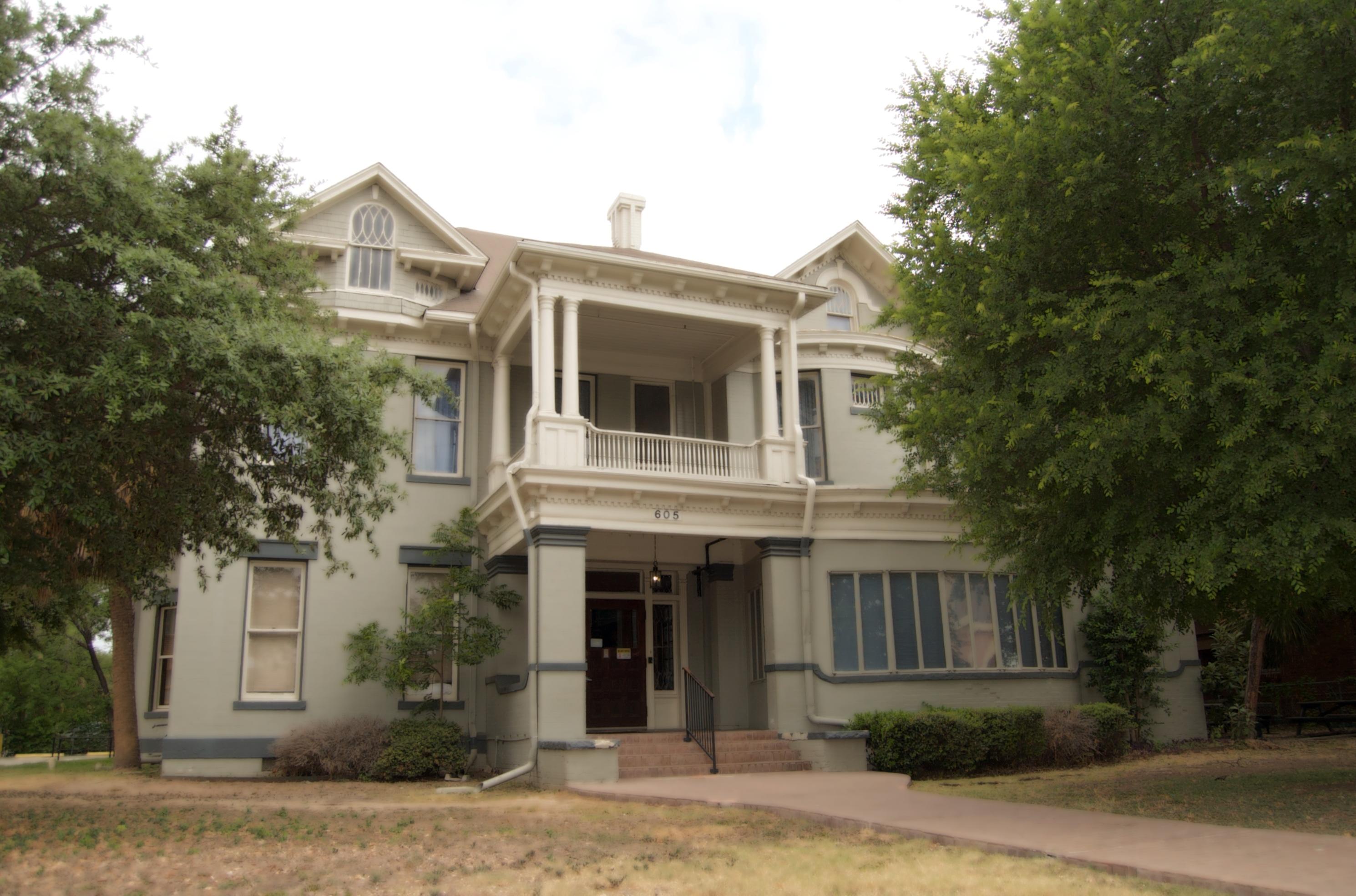 Alvarez House