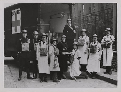 Mobile Unit at Dolphin Square (Copyright: Westminster City Archives)