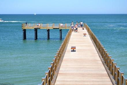 Beach-Martha's-Vineyard-sea-blue-travelblog