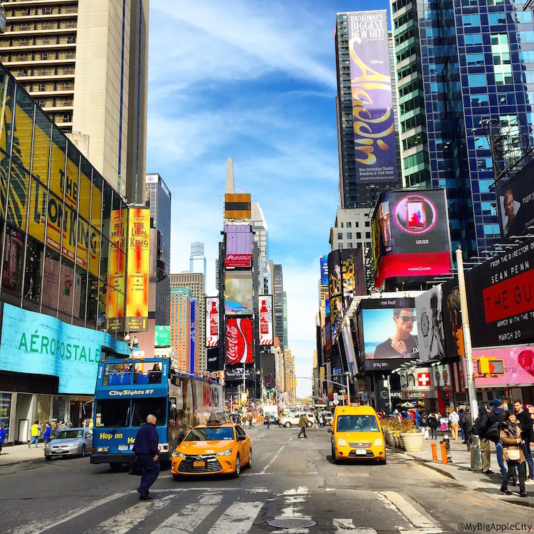 Times-Square-NYC-Travel-2015-blogger-manhattan