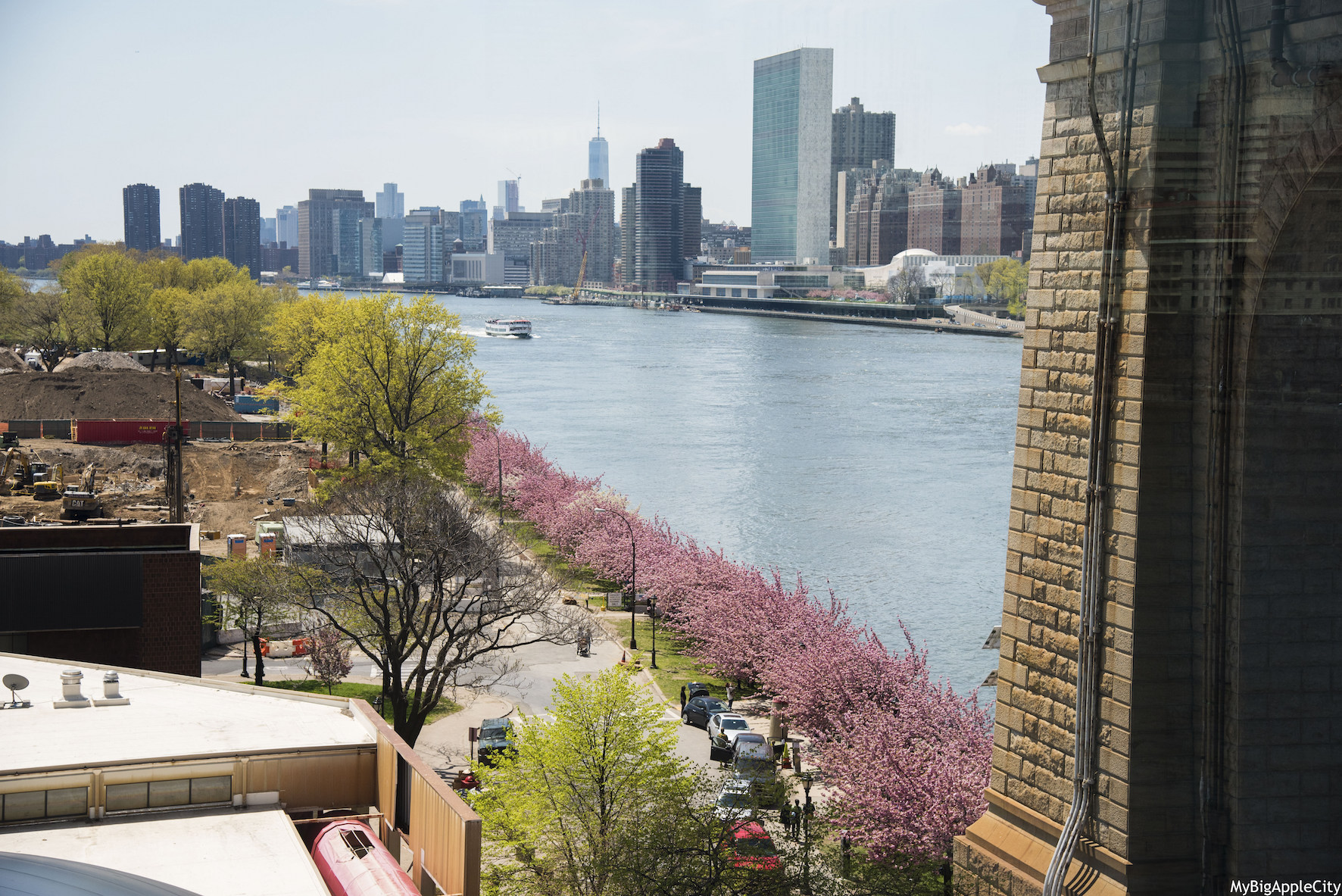 Spring-New-York-Travel-USA-Roosevelt-Island