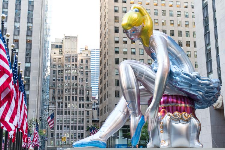Mybigapplecity Jeff Koons Ballerina NYC