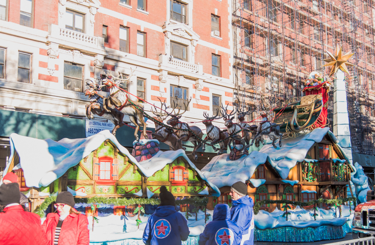 Thanksgiving 2018 New York City Santa Claus