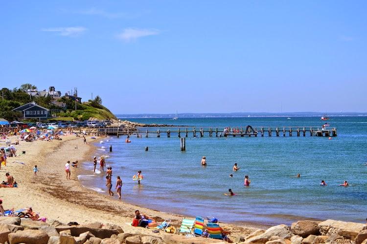 Martha's-Vineyard-beach-sea-front-travel