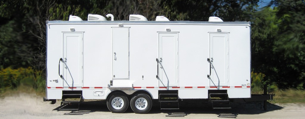 SHOWER TRAILER EXTERIOR