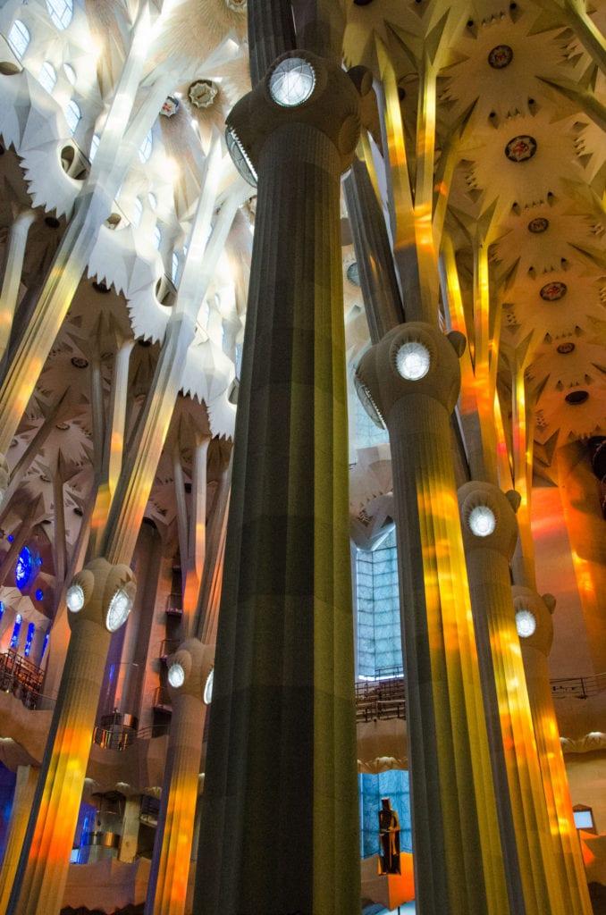 Sagrada-de-Familia-6-678x1024.jpg