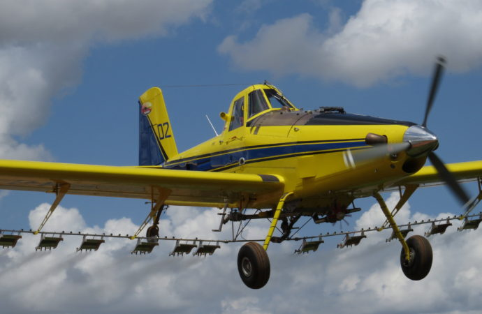 Editorial: 'Thumbs-up' for aerial applicators