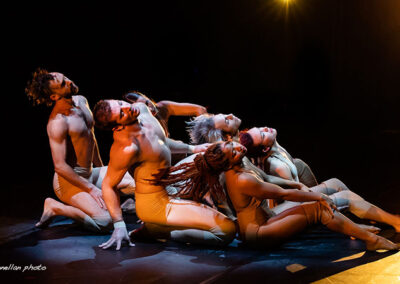 "Pilobolus performing ""Come to Your Senses"""