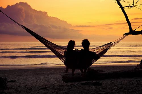 beach-chill-cloud-clouds-couple-Favim.com-448345