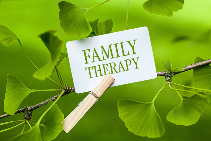 benifits-family-therapy