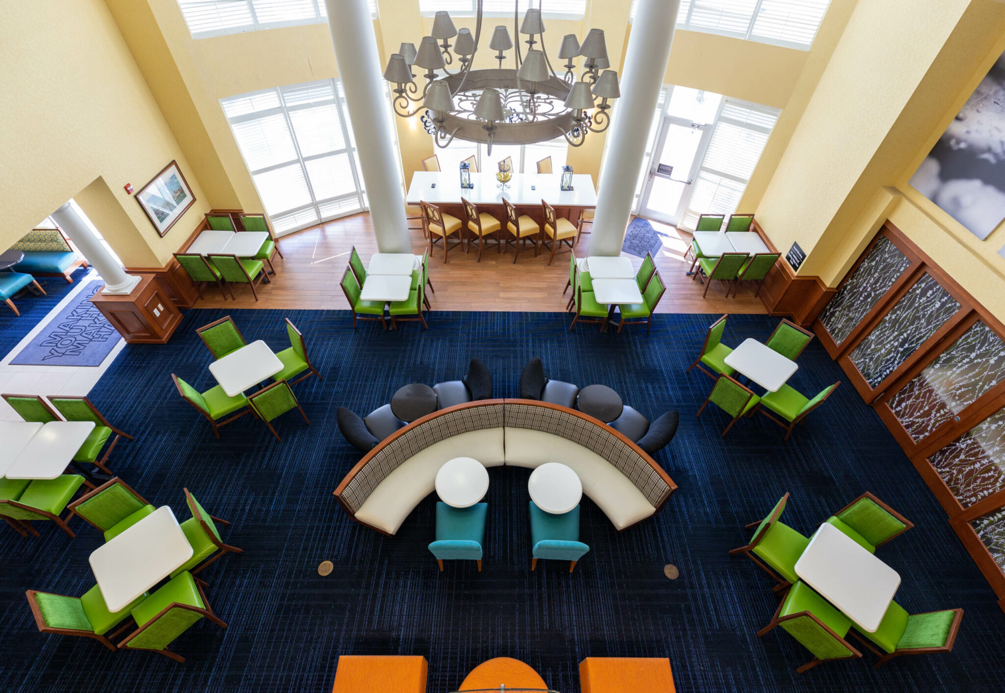 12. JAXDW_Jacksonville_Hampton Inn and Suites by Hilton_2019_Lobby-1