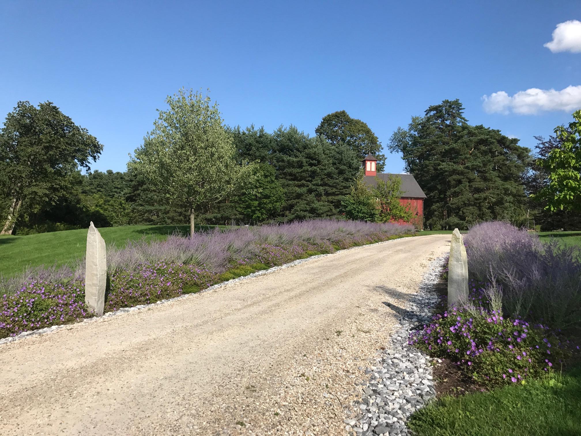 LB Farm front entry at road