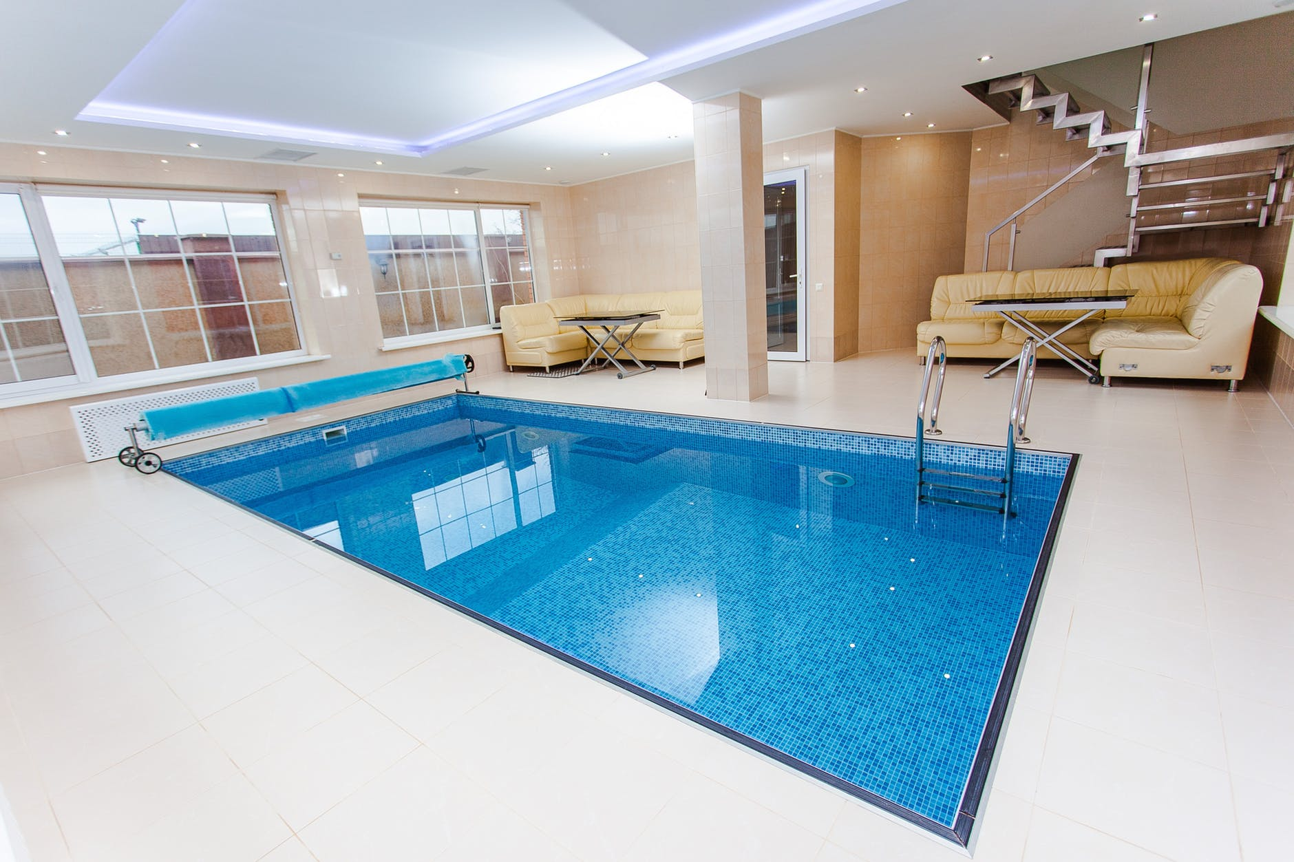 5 Things You Must Consider Before Getting An Indoor Swimming Pool