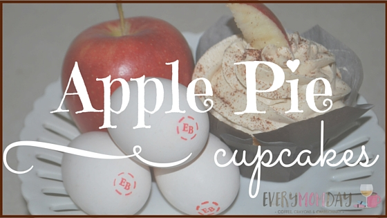 Apple Pie Cupcakes are pretty easy to make, look fancy, and taste amazing! EveryMomDay.com