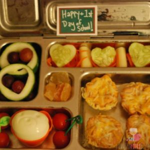 Leave a little note with lunches! EveryMomDay.com