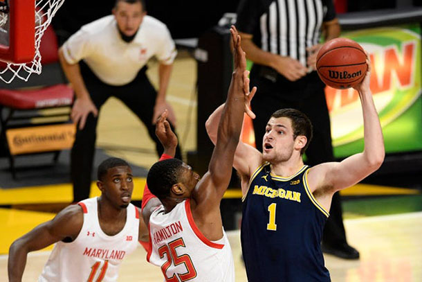 Hunter Dickinson scoring on Maryland