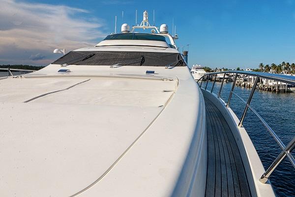 Azimut 98 leonardo | Water Time Charter
