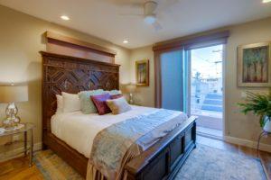 ocean-front-walk bedroom with window