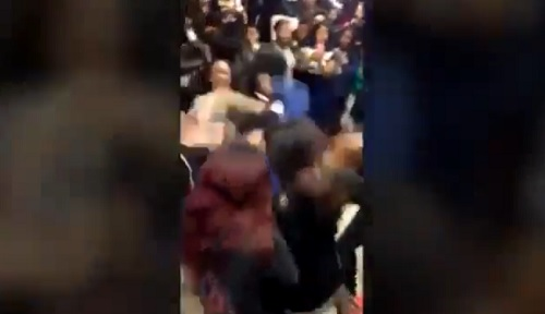 VIDEO 4 teens beat a girl up in Brooklyn McDonald's