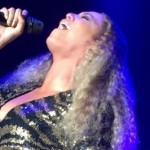 """Beyonce Performs """"I WIll Always Love You"""" At Blue Ivy School Fundraiser"""
