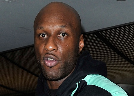 Lamar Odom Was Reportedly Kicked Off a Flight After Getting Drunk & Vomiting.