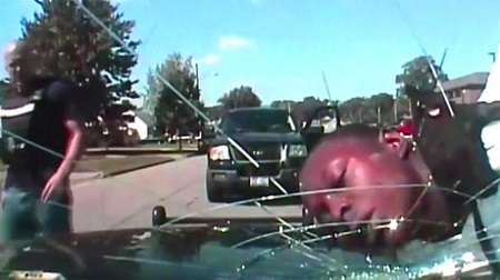 ohio-police-officer-slams-suspects-head-into-a-windshield