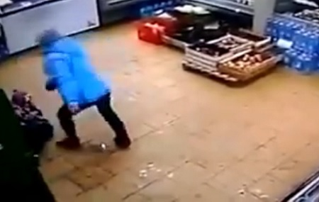 mother-brutally-beats-her-kid-in-store-for-his-father-not-paying-his-child-support